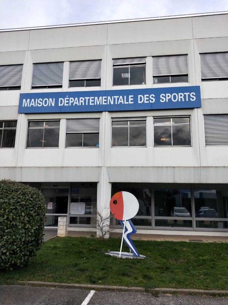 Facade de la maison départementale des sports de L'isère
